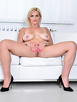 Anilos - Hot Mom featuring Kirsten Klark. (Photos)