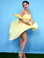 Pin Up WOW | Modern Beauties - Pin-Up Cuties